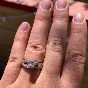 Jewelry - Moissanite wedding ring set size 5.75